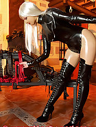 Open latex catsuit, pic 7